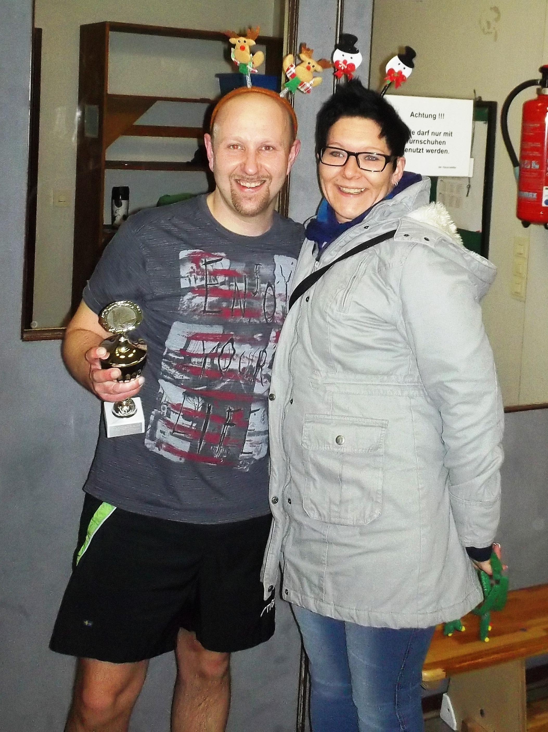 Vereinsmeister Timo (mit Ehefrau)